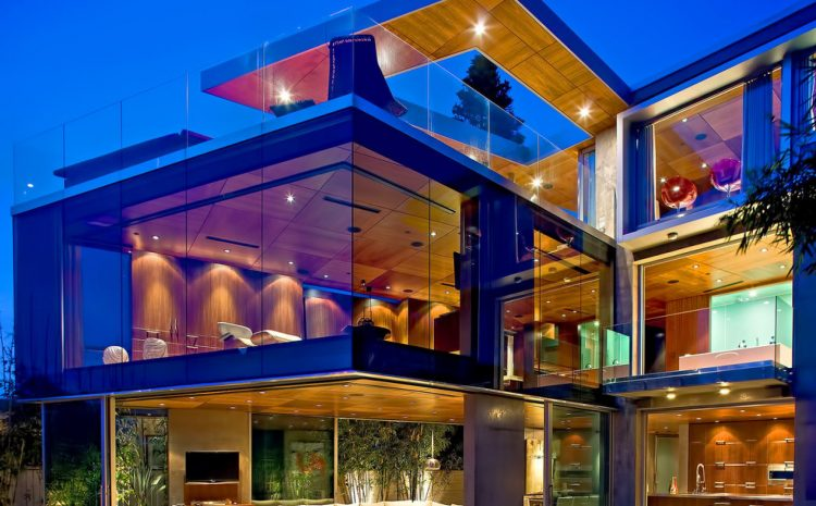 The Advantages and Disadvantages of Contemporary Glass Homes